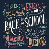 Zurück zu Schulbunter Typografiezeichnung auf Tafel mit Motivmitteilungen, Handbeschriftung Stock Abbildung