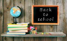 Zurück zu Schule Bücher und Schulwerkzeuge Lizenzfreies Stockbild