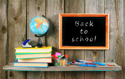 Zurück zu Schule Bücher und Schulwerkzeuge Stockfotos