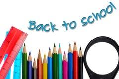 Zurück zu Schule - Farbtonzeichenstifte und -machthaber Stockfoto