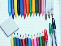 Zurück zu Schule Hintergrund Bleistifte und Radiergummi Stockbilder