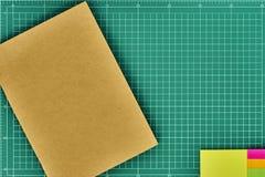 Zurück zu Schule-Hintergrund (EPS+JPG) Stockbild