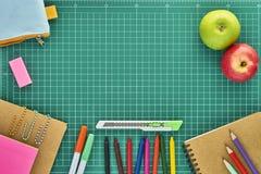 Zurück zu Schule-Hintergrund (EPS+JPG) Stockfoto