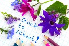 Zurück zu Schule mit Blumen Stockbild
