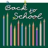 Zurück zu Schule, Text mit Büroklammer und Bleistiften Lizenzfreie Stockbilder