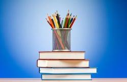 Zurück zu Schulekonzept mit Büchern Lizenzfreies Stockfoto