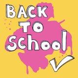 Zurück zu Schulgekritzelbeschriftung und -Häkchen Vektorillustration mit großem rosa Tintenfleck am gelben Hintergrund Lizenzfreie Stockfotografie