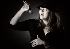 Zurückhaltender Schuß eines Jazz-Sängers stockbild