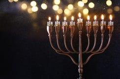 Zurückhaltendes Bild jüdischen Feiertag Chanukka-Hintergrundes Stockbilder