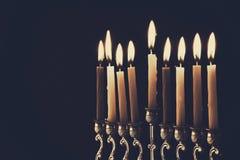Zurückhaltendes Bild jüdischen Feiertag Chanukka-Hintergrundes Stockfoto