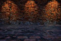 Zurückhaltendes Foto der Wand des roten Backsteins Stockfoto