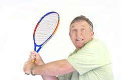 Zurückkommender Aufschlags-Tennis-Spieler Stockbild