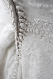 Zurück vom Hochzeitskleid Stockfoto