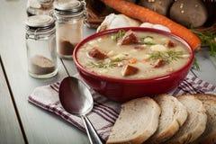 Zure die soep van roggebloem wordt gemaakt Royalty-vrije Stock Foto's