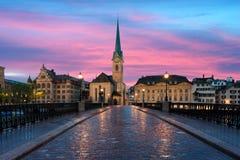 zurich Bild av Zurich, huvudstad av Schweiz, under dramatiskt Fotografering för Bildbyråer