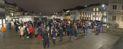Zurich, el 5 de febrero de 2017 Proteste en solidaridad con la protesta contra el gobierno en Bucarest Fotos de archivo