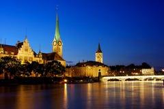 Zurich en la noche Foto de archivo libre de regalías