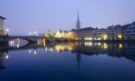 Zurich la nuit image libre de droits