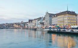 Zurich Limmat rzeka i historyczna architektura Fotografia Stock