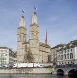Zurich Limmatquai quay podczas Sechselauten parady Obrazy Stock