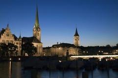 Zurich på natten Royaltyfri Fotografi