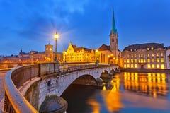 Zurich på natten Royaltyfri Bild