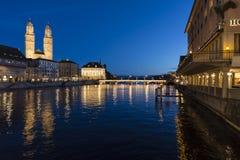 Zurich på skymning Arkivbilder