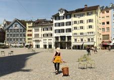 Zurich Schweiz - Juni 03, 2017: Folk på gatan i Zur Arkivfoto