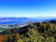 Zurich sjö och stad royaltyfria foton
