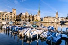 Zurich stad i vinter, Schweiz Arkivfoton