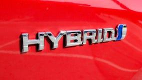 Zurich, Suiza - junio de 2019: Primer del emblema híbrido de Toyota imagen de archivo libre de regalías