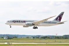 ZURICH, SWITZERLAND - MAY 25, 2014: Qatar airplane landing in Zu Stock Images