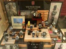 Zurich Szwajcaria, Czerwiec, - 03, 2017: Sławny Victorinox zegarek wewnątrz Obrazy Stock