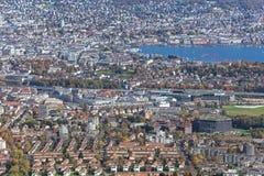 Zurich - visión desde el soporte Uetliberg en otoño Foto de archivo libre de regalías