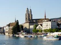 Zurigo e Limmat Fotografia Stock
