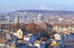 Zurique, arquitetura da cidade do inverno Imagens de Stock Royalty Free