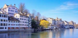 Zurique, vista no rio de Limmat Fotos de Stock Royalty Free