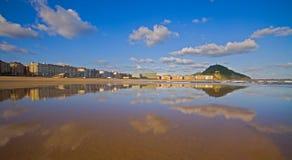 zurriola för strandstadsdonostia gipuzkoa Arkivfoto