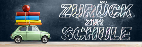 Zuruck die Schule car. Stock Photo