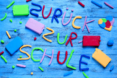 Zuruck zur schule, terug naar school in het Duits wordt geschreven dat Stock Afbeelding
