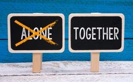 Zusammen nicht allein Lizenzfreies Stockbild
