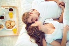 Zusammen schlafen Stockbild