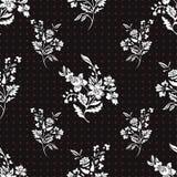 Zusammenfassung blüht nahtloses Muster, Blumenvektorhintergrund Fantasieweiß auf schwarzem und rotem Tupfen Für das Design Lizenzfreie Stockbilder