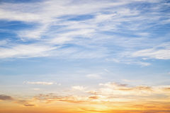 Zusammenfassung des bewölkten Himmels Stockbild