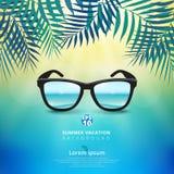 Zusammenfassung des Sommerzeithintergrundes mit Sonnenbrille und Blättern von lizenzfreie abbildung