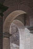 Zusammenfassung wölbt Colosseum Stockbilder