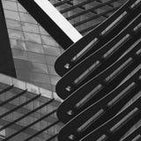 Zusammenfassungsansicht des niedrigen Winkels von Gebäuden in einer Stadt Stockfotos