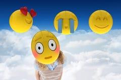 Zusammengesetztes Bild auf smiley in 3d gegen einen Himmelhintergrund vektor abbildung