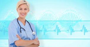 Zusammengesetztes Bild blonden Doktors lächelnd an der Kamera Stockbild