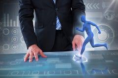 Zusammengesetztes Bild 3d des Mittelteils des Geschäftsmannes vortäuschend, unsichtbaren Gegenstand zu benutzen Lizenzfreie Stockbilder